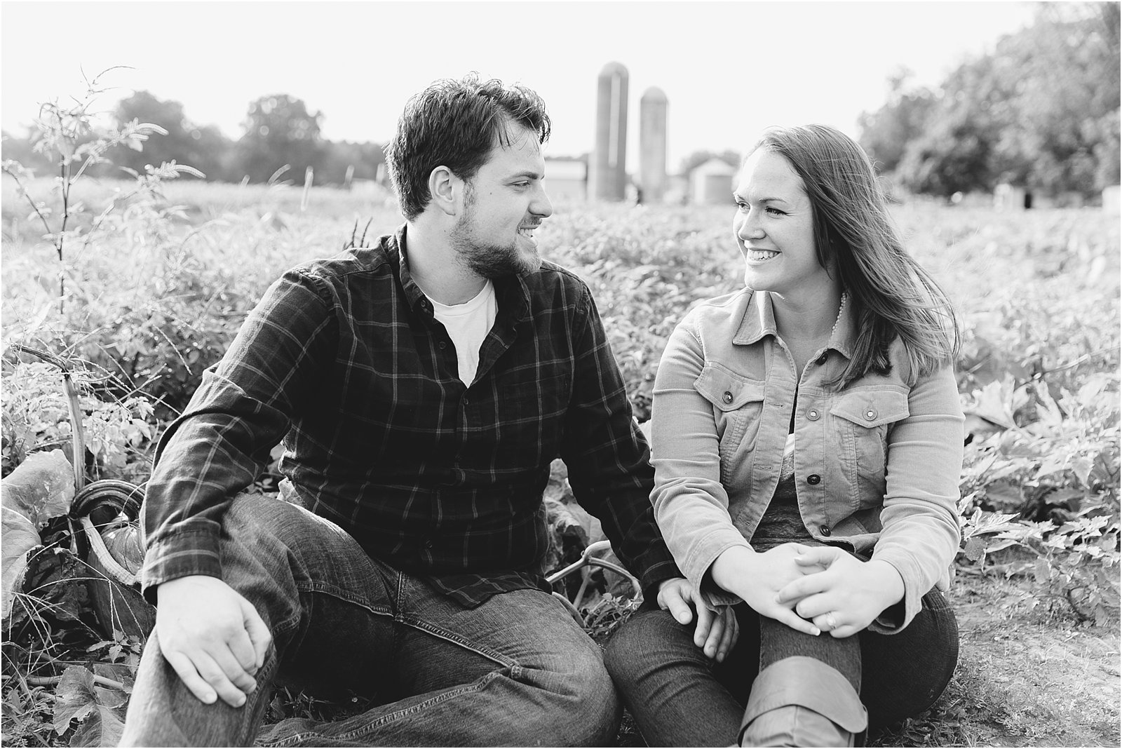 jessica_ryan_photography_pumpkin_patch_engagement_portraits_fall_october_engagements_virginia_beach_chesapeake_0277