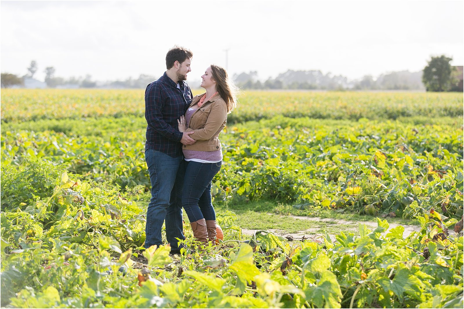 jessica_ryan_photography_pumpkin_patch_engagement_portraits_fall_october_engagements_virginia_beach_chesapeake_0281