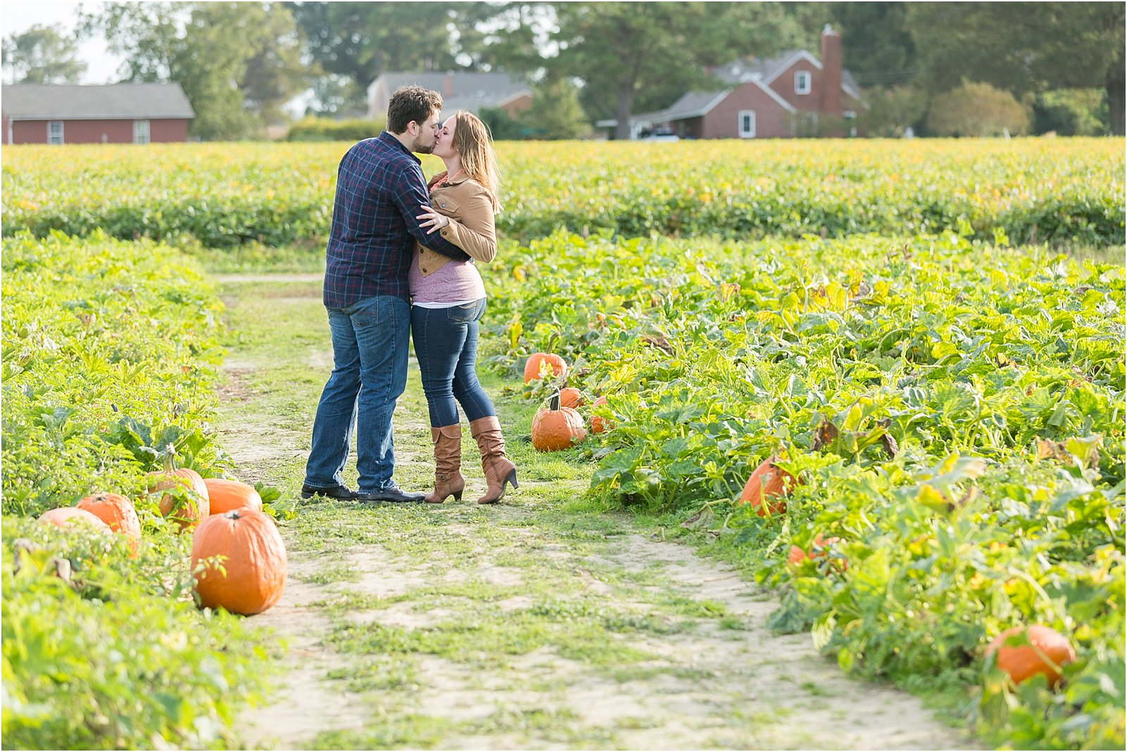 jessica_ryan_photography_pumpkin_patch_engagement_portraits_fall_october_engagements_virginia_beach_chesapeake_0287