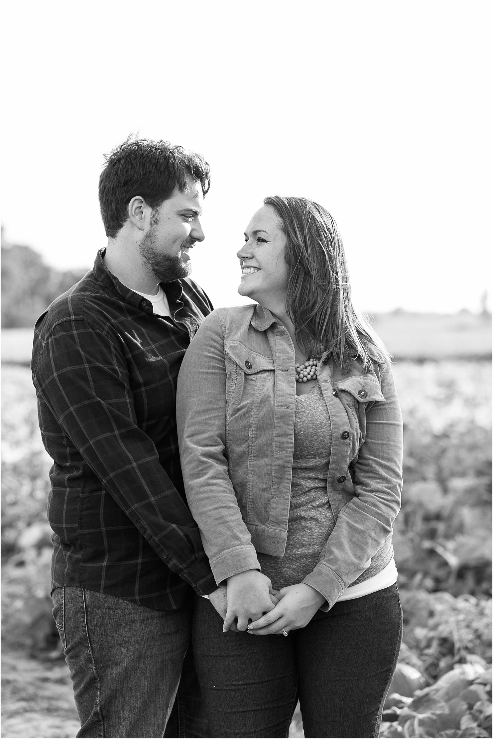 jessica_ryan_photography_pumpkin_patch_engagement_portraits_fall_october_engagements_virginia_beach_chesapeake_0290