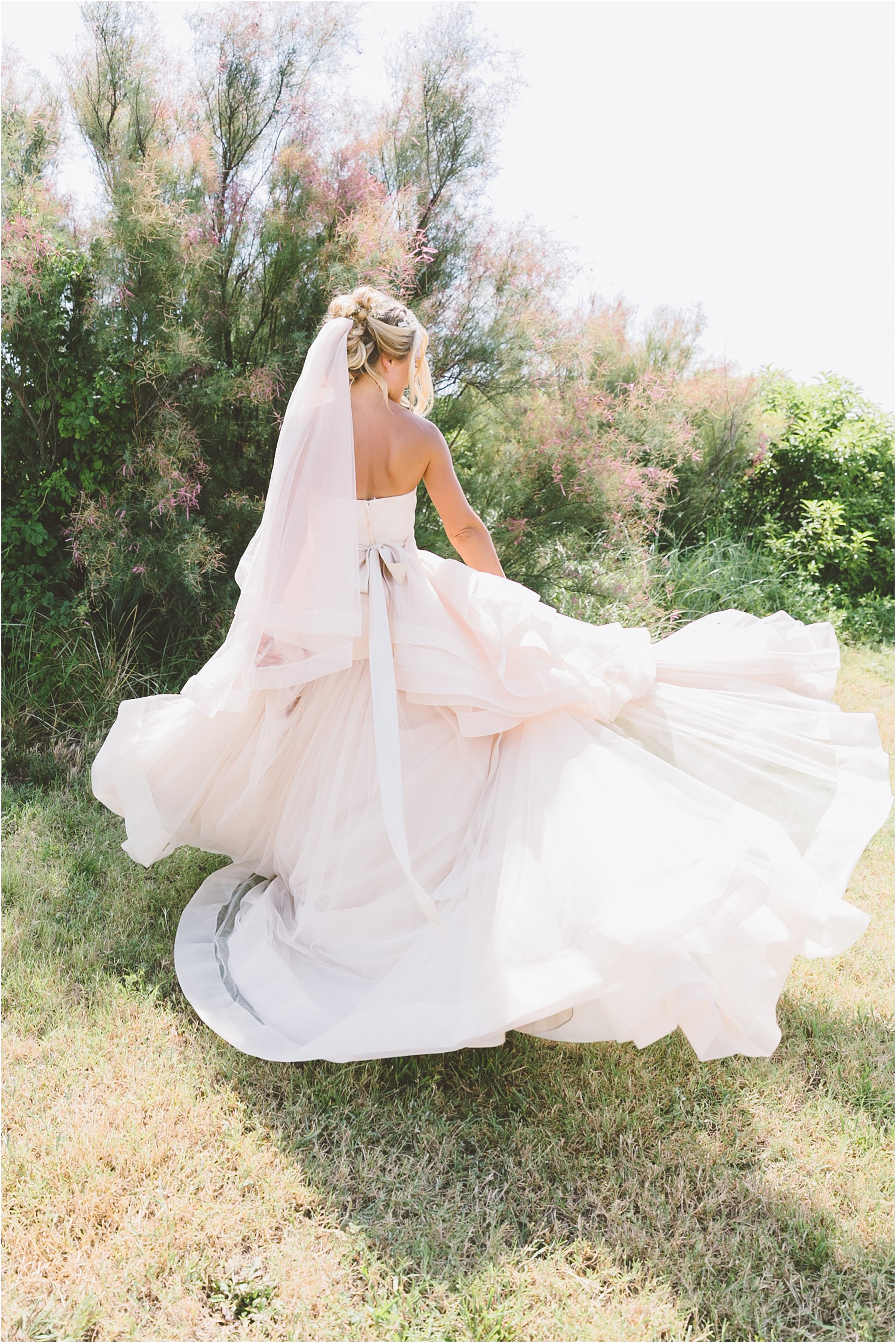 jessica_ryan_photography_virginia_beach_water_tabe_wedding_vera_wang_wedding_dress_0628