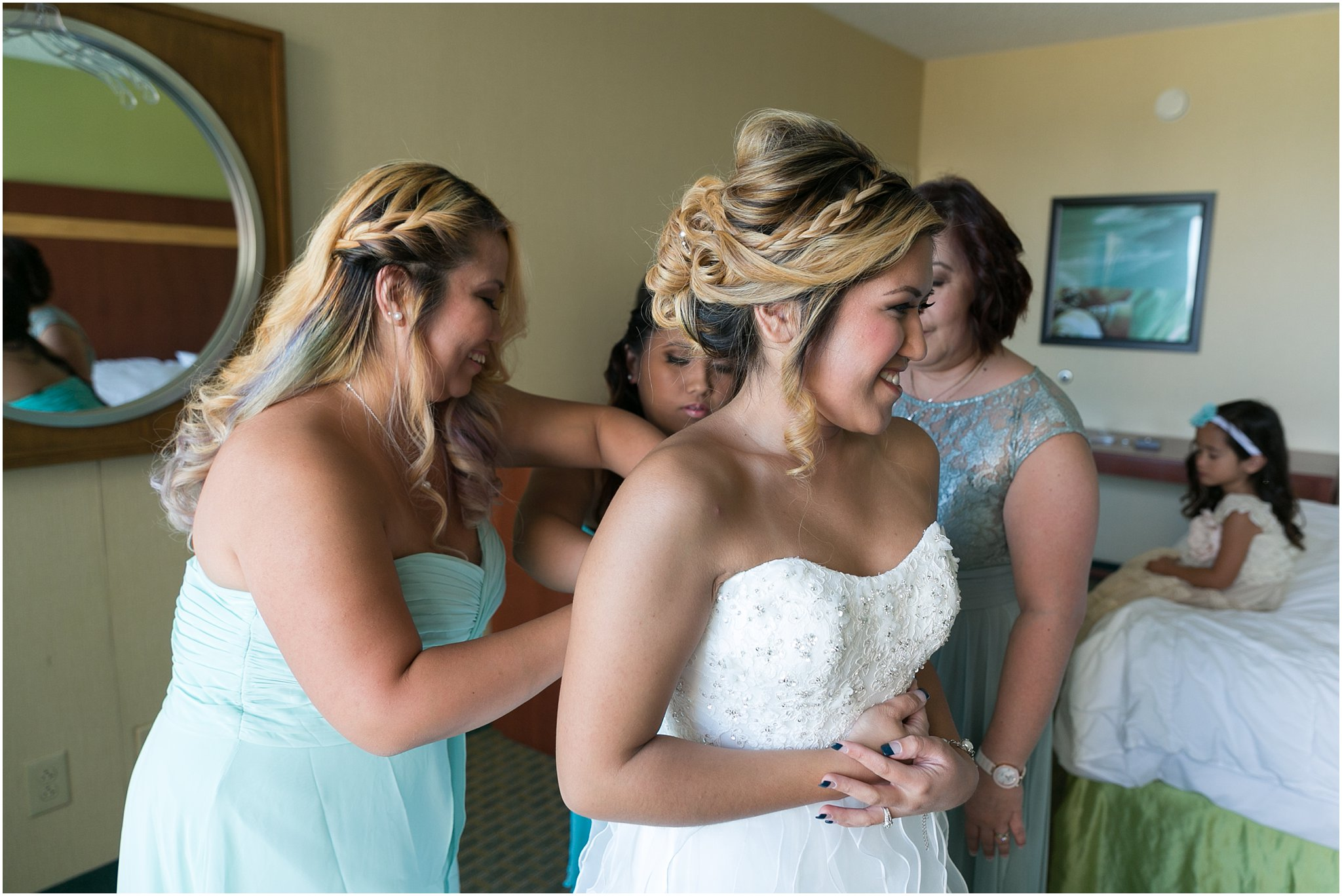 jessica_ryan_photography_wedding_virginia_beach_oceanfront_holiday_inn_north_suites_hotel_wedding_0727