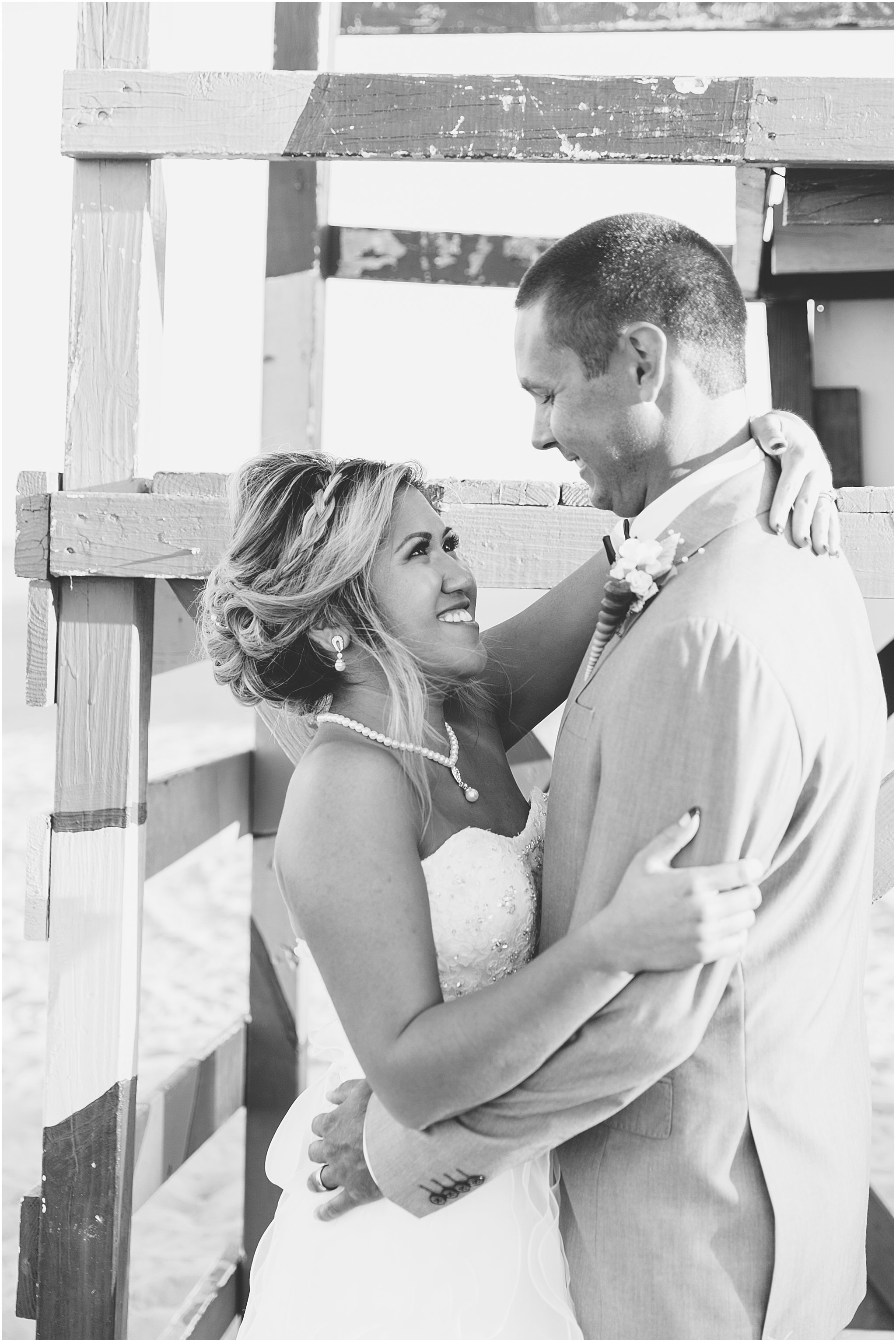 jessica_ryan_photography_wedding_virginia_beach_oceanfront_holiday_inn_north_suites_hotel_wedding_0765