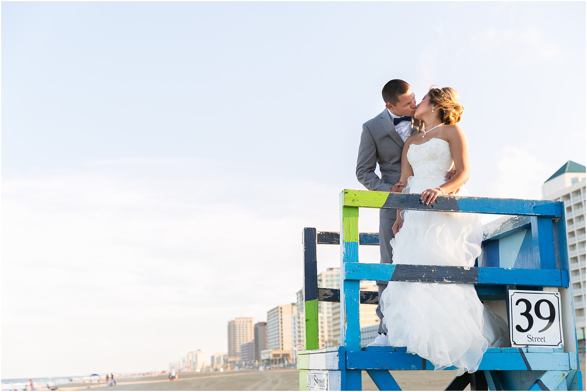 jessica_ryan_photography_wedding_virginia_beach_oceanfront_holiday_inn_north_suites_hotel_wedding_0768