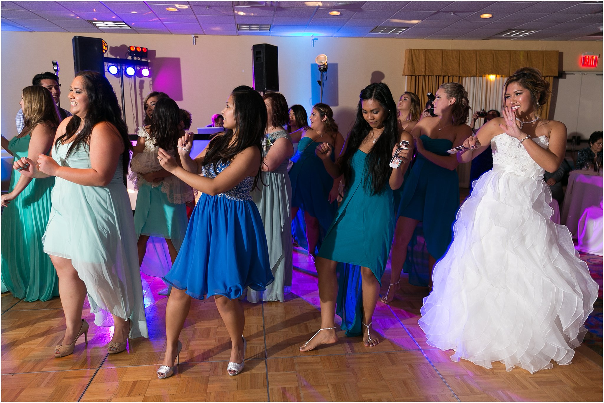 jessica_ryan_photography_wedding_virginia_beach_oceanfront_holiday_inn_north_suites_hotel_wedding_0797