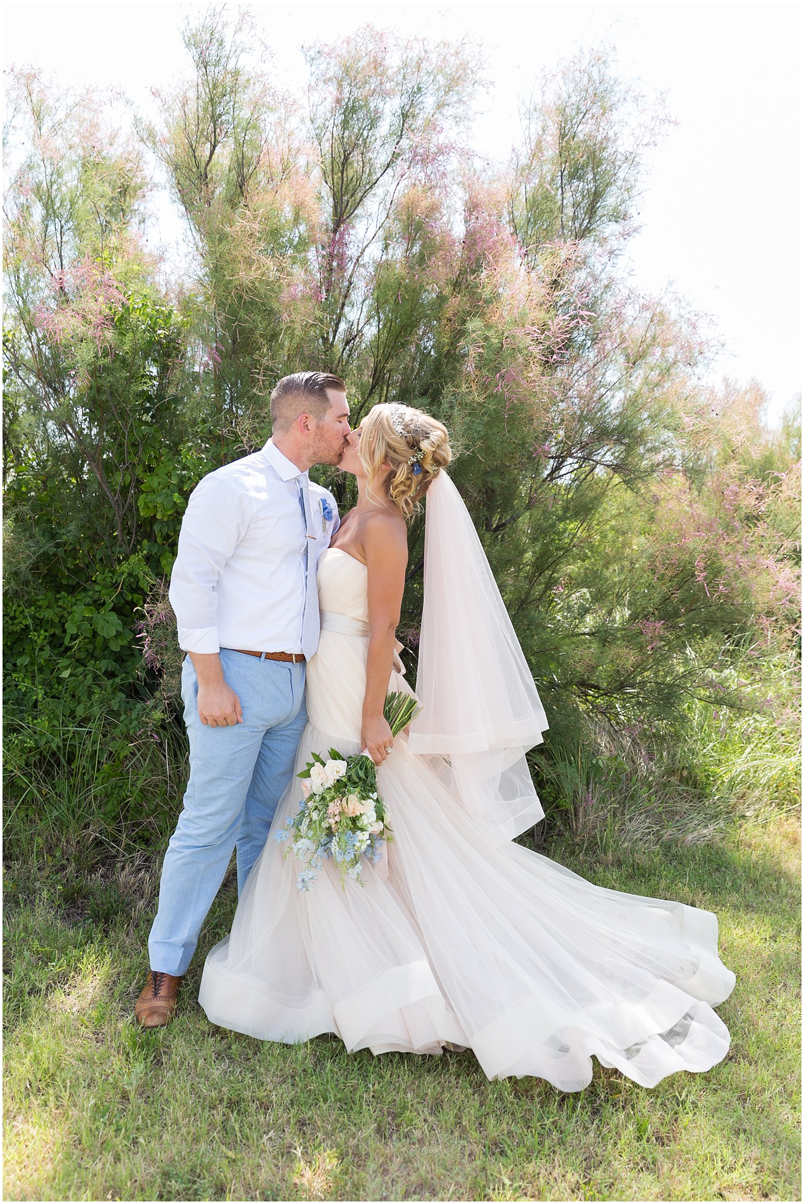 jessica_ryan_photography_wedding_virginia_beach_virginia_wedding_photographer_candid_wedding_photography_lifestyle_photojournalistic_real_moments_0147