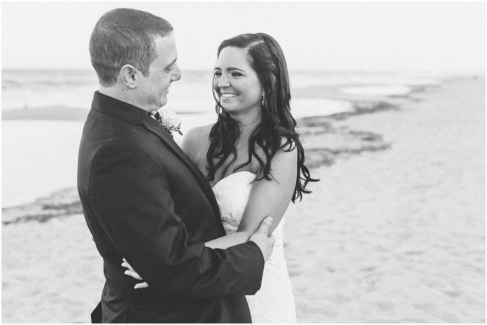 jessica_ryan_photography_wedding_virginia_beach_virginia_wedding_photographer_candid_wedding_photography_lifestyle_photojournalistic_real_moments_0159