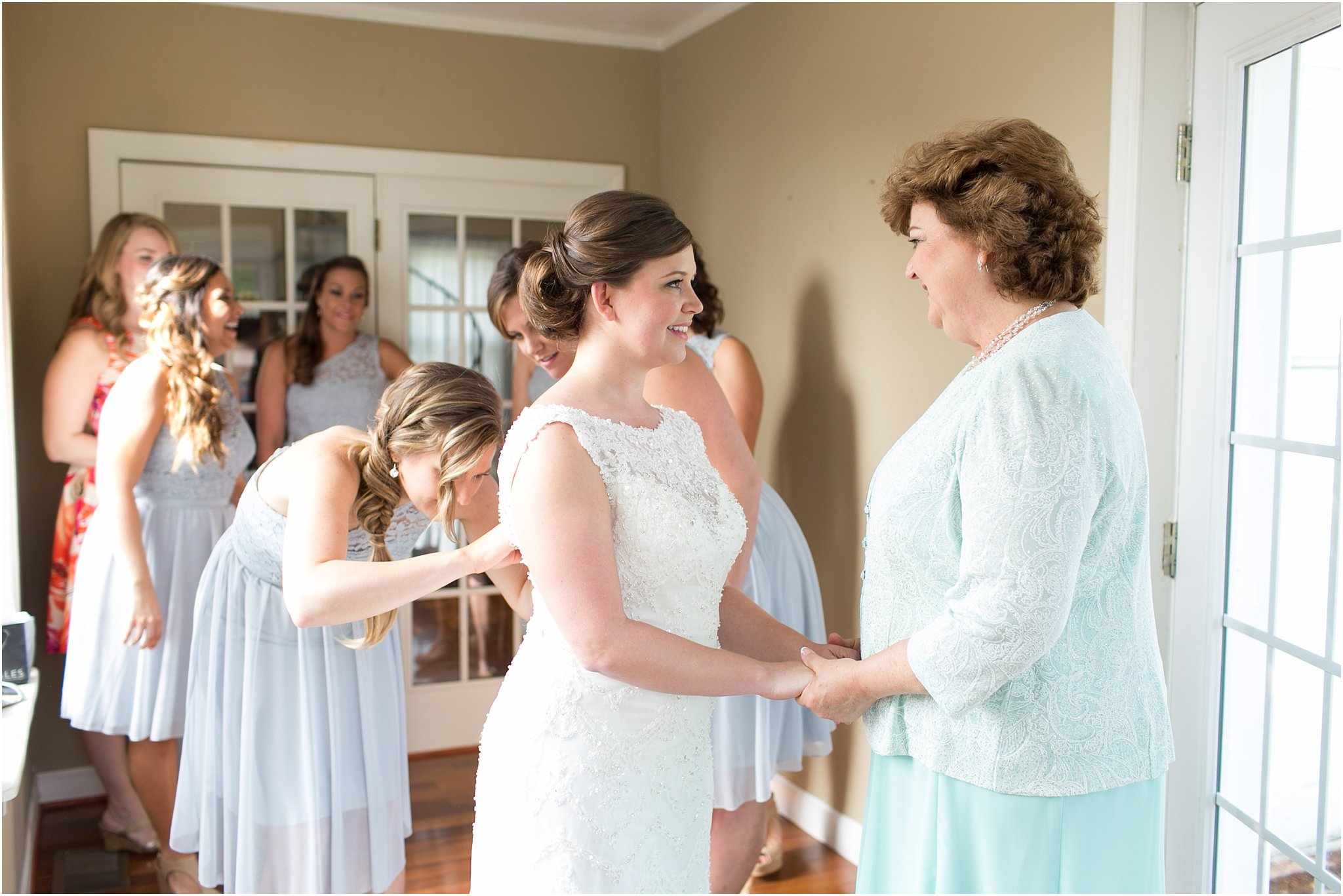 jessica_ryan_photography_holly_ridge_manor_wedding_roost_flowers_jamie_leigh_events_dhalia_edwards_candid_vibrant_wedding_colors_1276