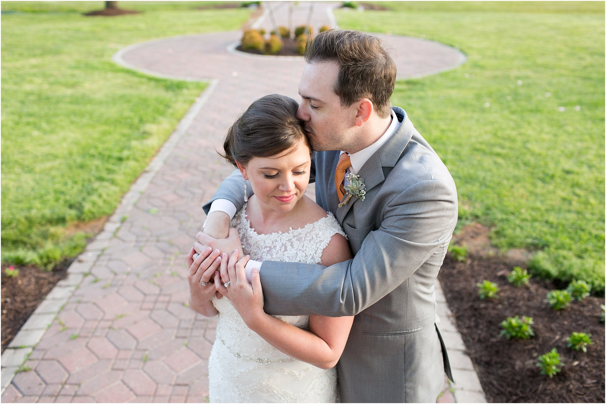 jessica_ryan_photography_holly_ridge_manor_wedding_roost_flowers_jamie_leigh_events_dhalia_edwards_candid_vibrant_wedding_colors_1321