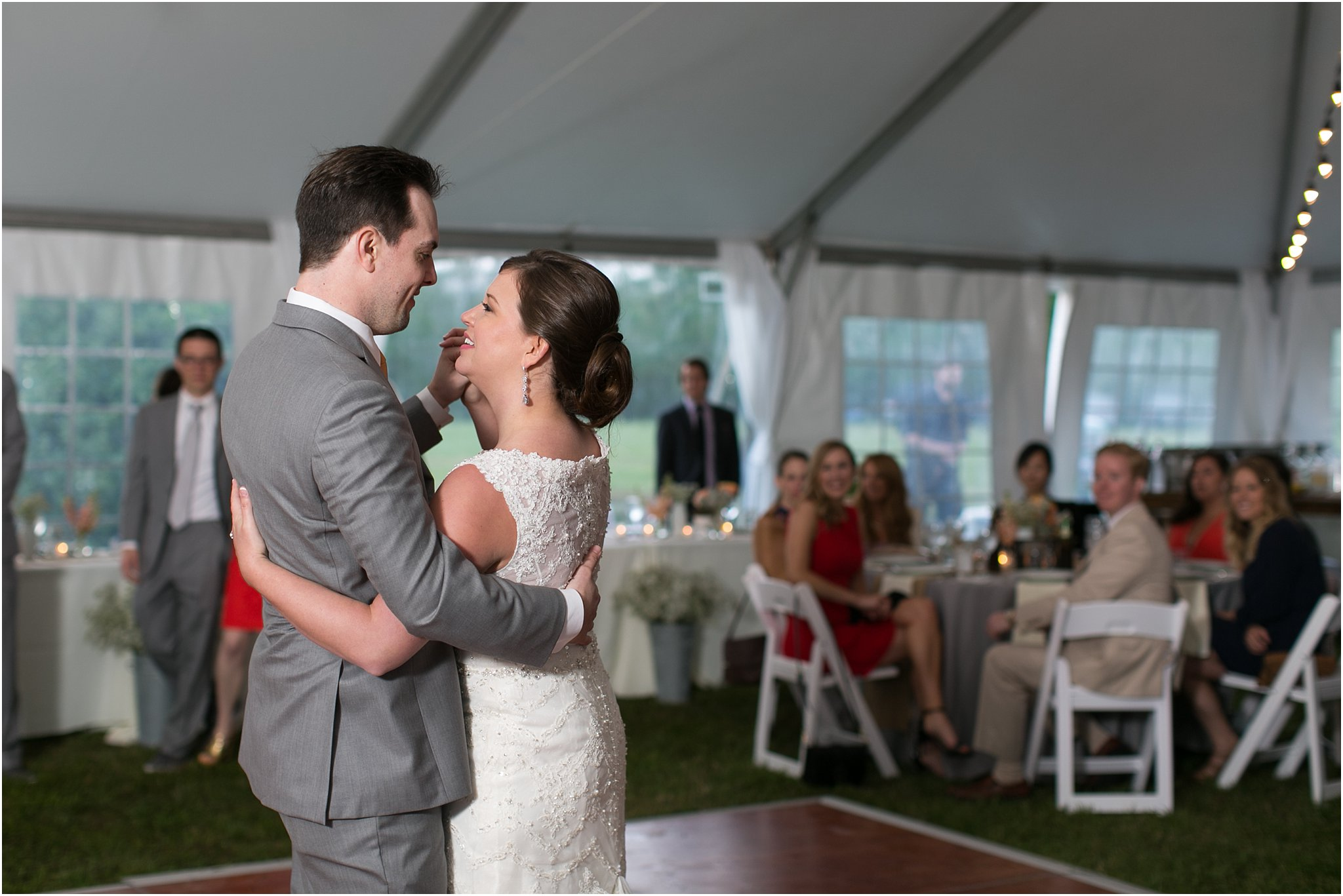 jessica_ryan_photography_holly_ridge_manor_wedding_roost_flowers_jamie_leigh_events_dhalia_edwards_candid_vibrant_wedding_colors_1356