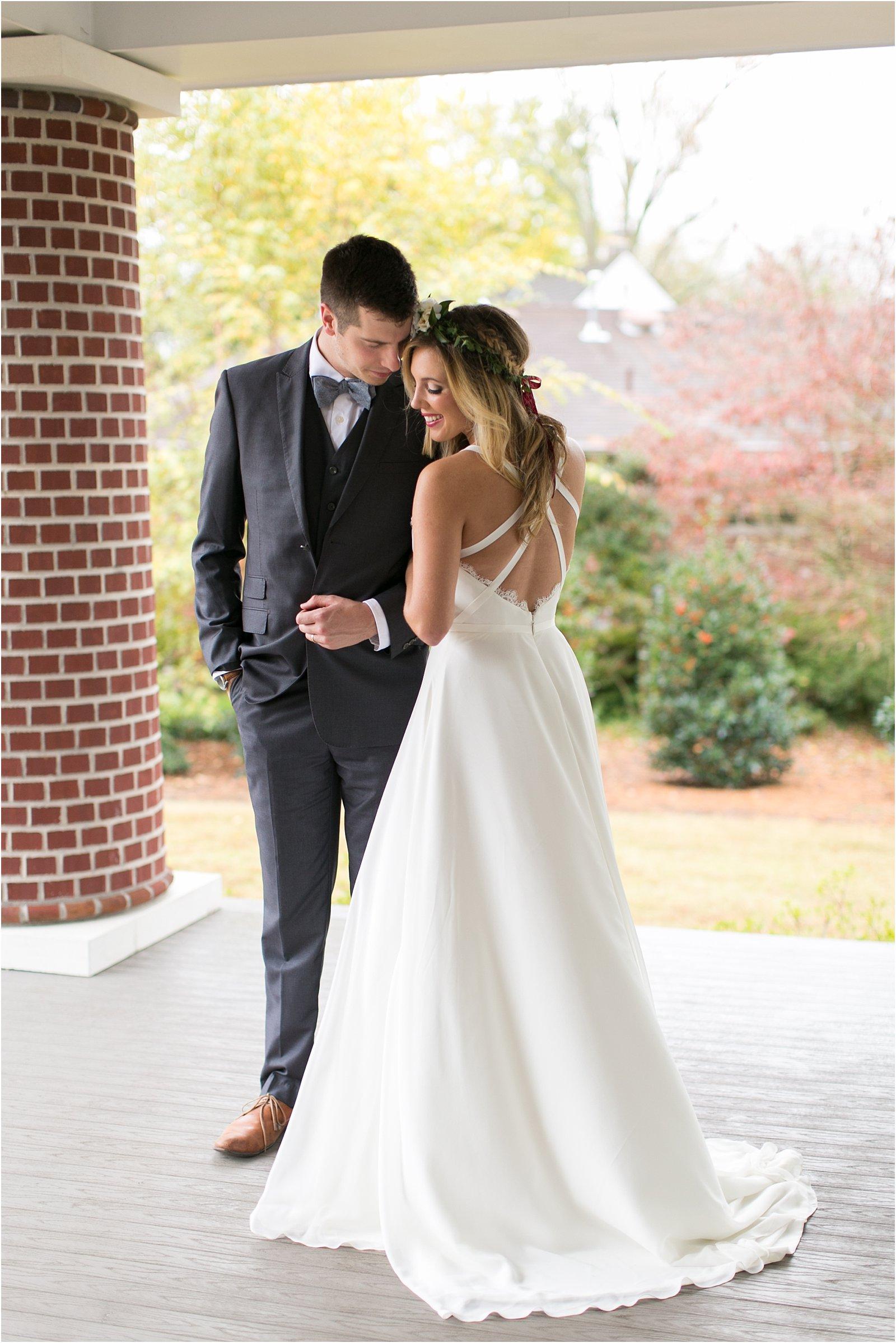 jessica_ryan_photography_womans_club_of_portsmouth_wedding_walk_through_a_wedding_bride_and_groom_0200