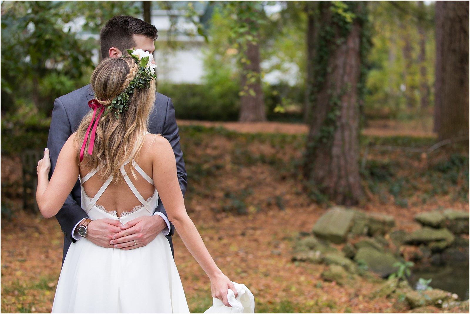 jessica_ryan_photography_womans_club_of_portsmouth_wedding_walk_through_a_wedding_bride_and_groom_0213