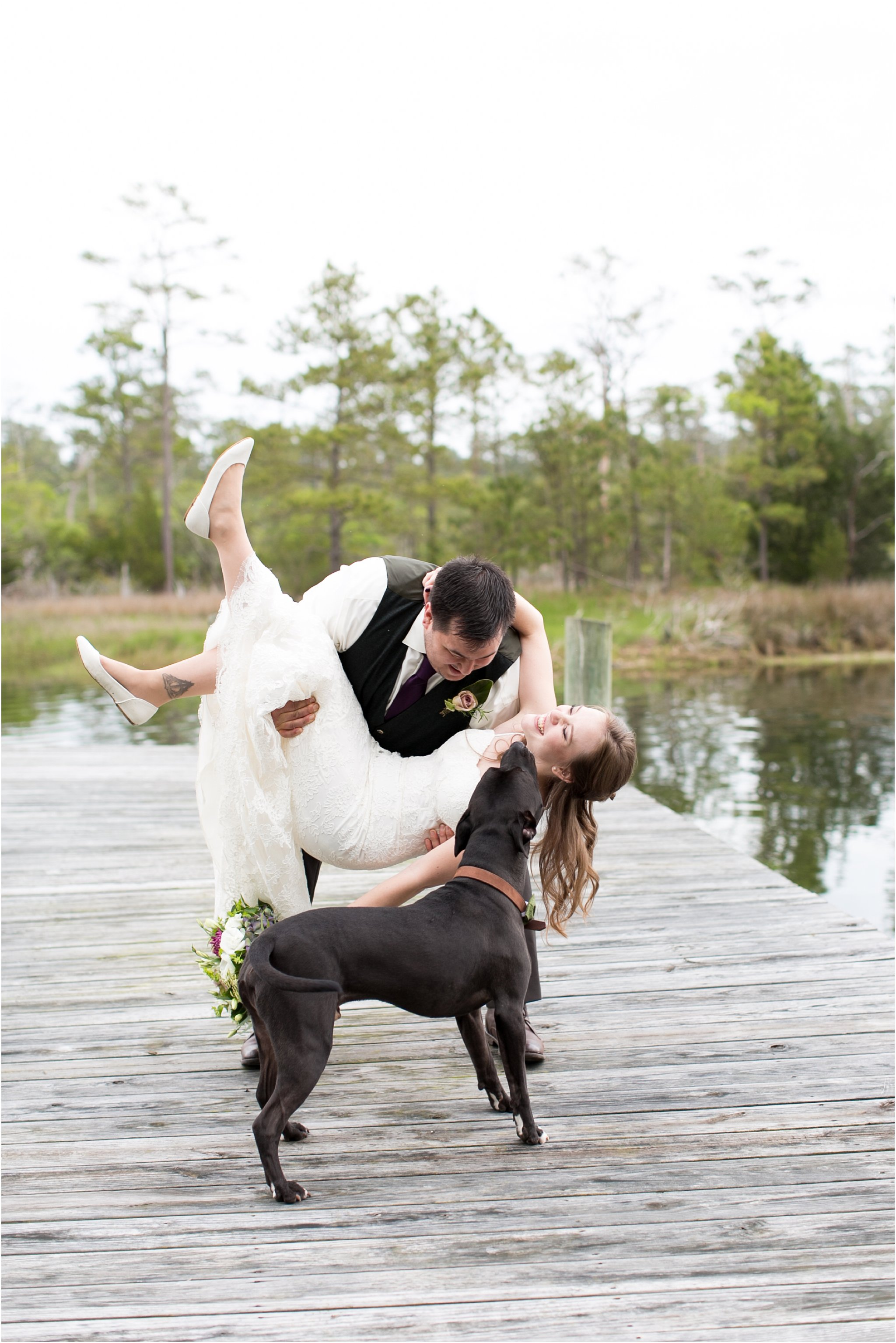 jessica_ryan_photography_virginia_virginiabeachwedding_bayislandvirginiabeach_backyardwedding_waterfrontwedding_intimatewedding_vintagewedding_1566