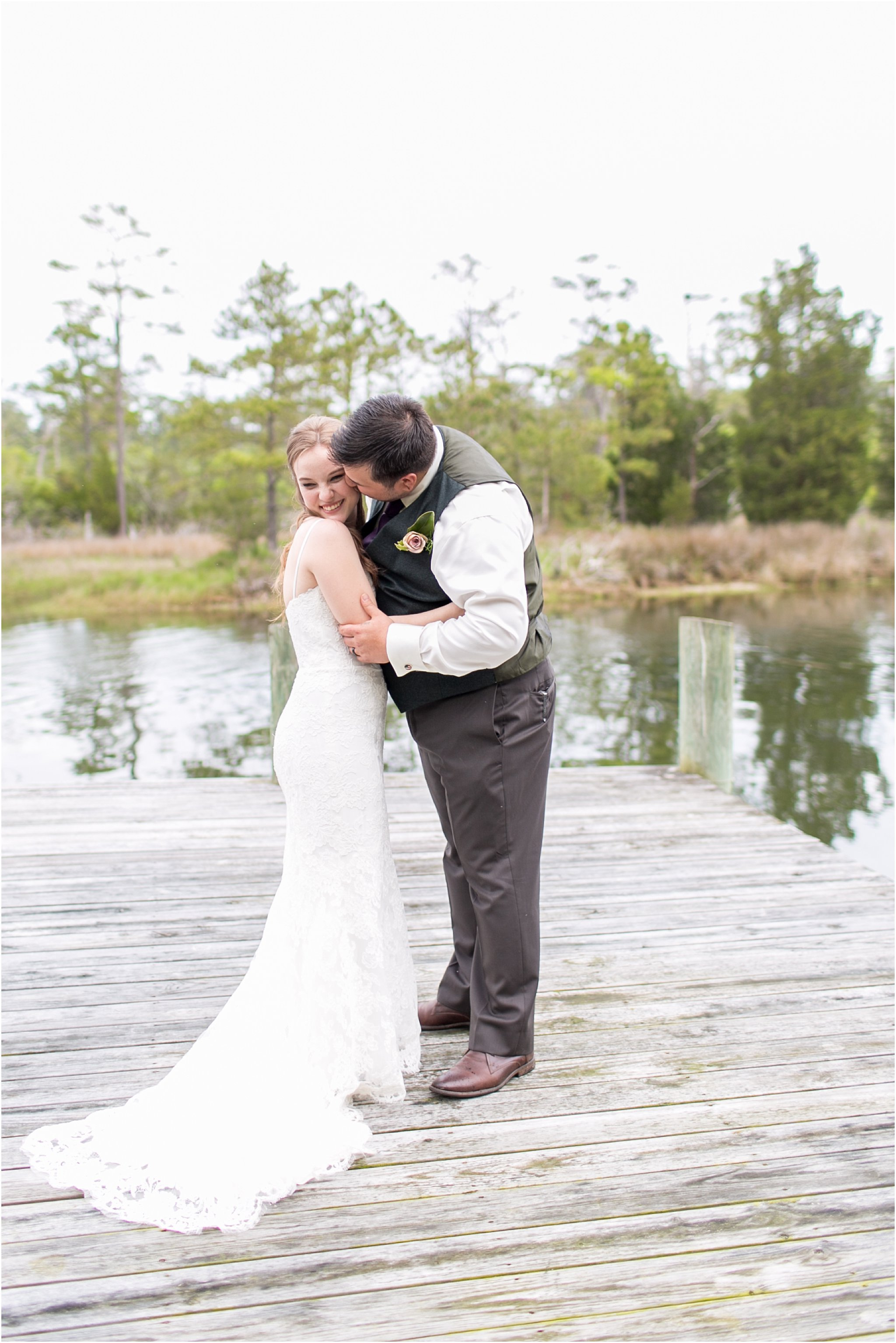 jessica_ryan_photography_virginia_virginiabeachwedding_bayislandvirginiabeach_backyardwedding_waterfrontwedding_intimatewedding_vintagewedding_1569