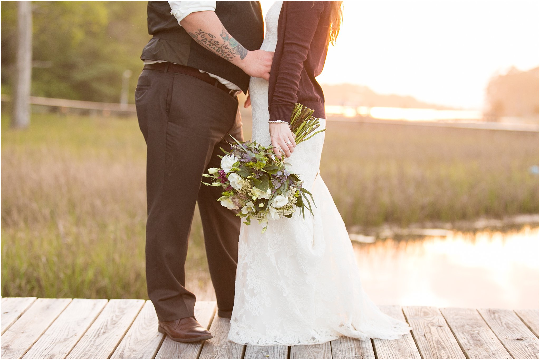 jessica_ryan_photography_virginia_virginiabeachwedding_bayislandvirginiabeach_backyardwedding_waterfrontwedding_intimatewedding_vintagewedding_1608