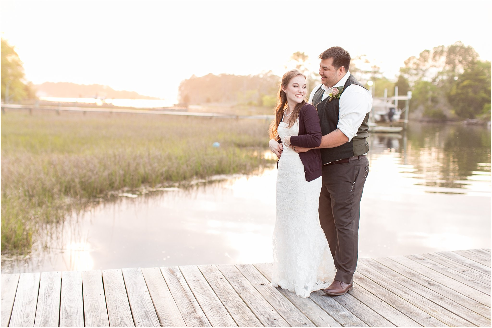 jessica_ryan_photography_virginia_virginiabeachwedding_bayislandvirginiabeach_backyardwedding_waterfrontwedding_intimatewedding_vintagewedding_1609