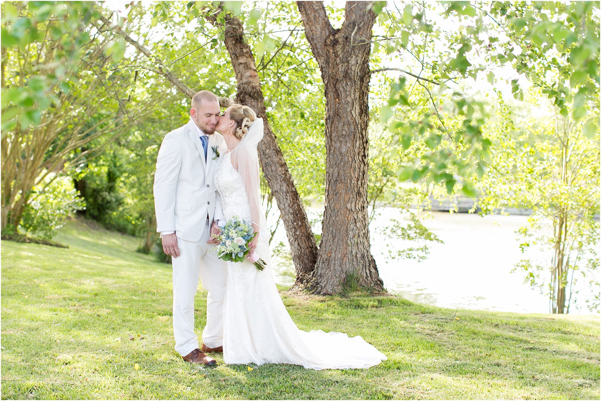 jessica_ryan_photography_virginia_virginiabeachweddingphotographer_studioIdo_backyardwedding_waterfrontwedding_1672
