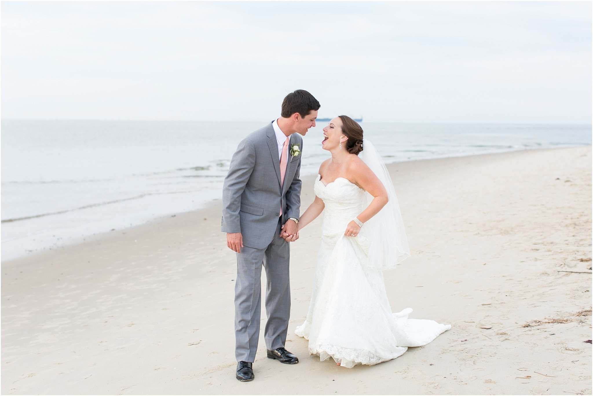 jessica_ryan_photography_wedding_photography_virginiabeach_virginia_candid_authentic_wedding_portraits_marina_shores_yacht_club_chesapeake_bay_1880