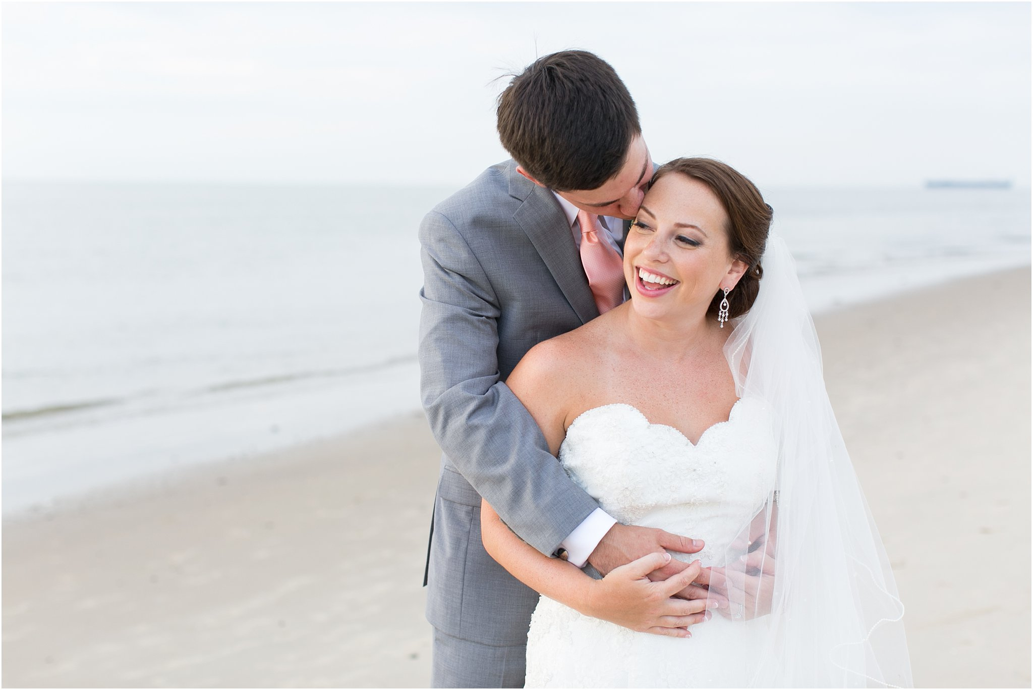 jessica_ryan_photography_wedding_photography_virginiabeach_virginia_candid_authentic_wedding_portraits_marina_shores_yacht_club_chesapeake_bay_1883