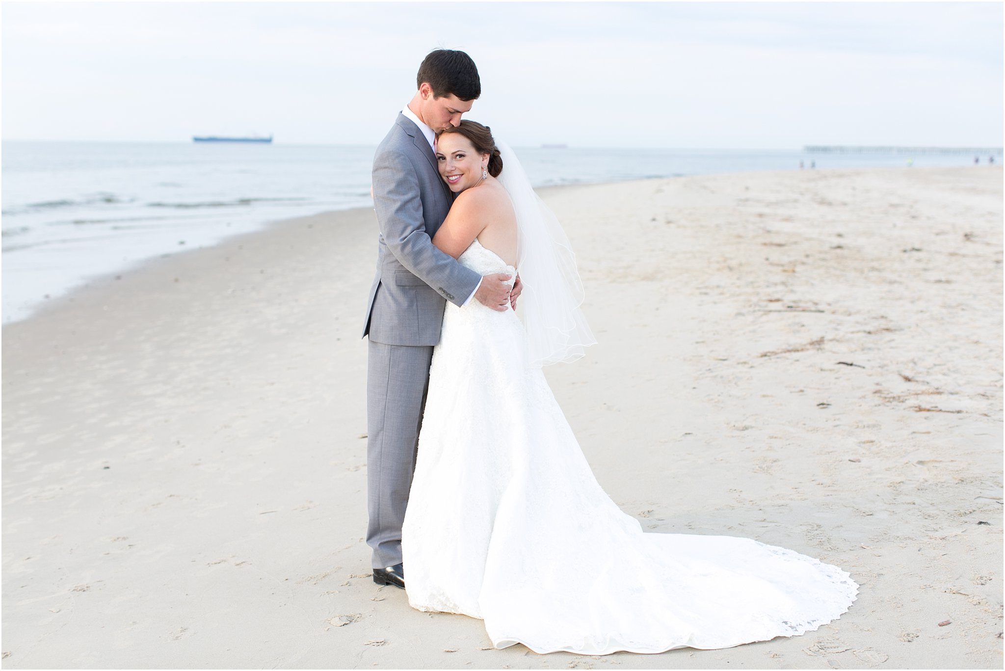 jessica_ryan_photography_wedding_photography_virginiabeach_virginia_candid_authentic_wedding_portraits_marina_shores_yacht_club_chesapeake_bay_1885