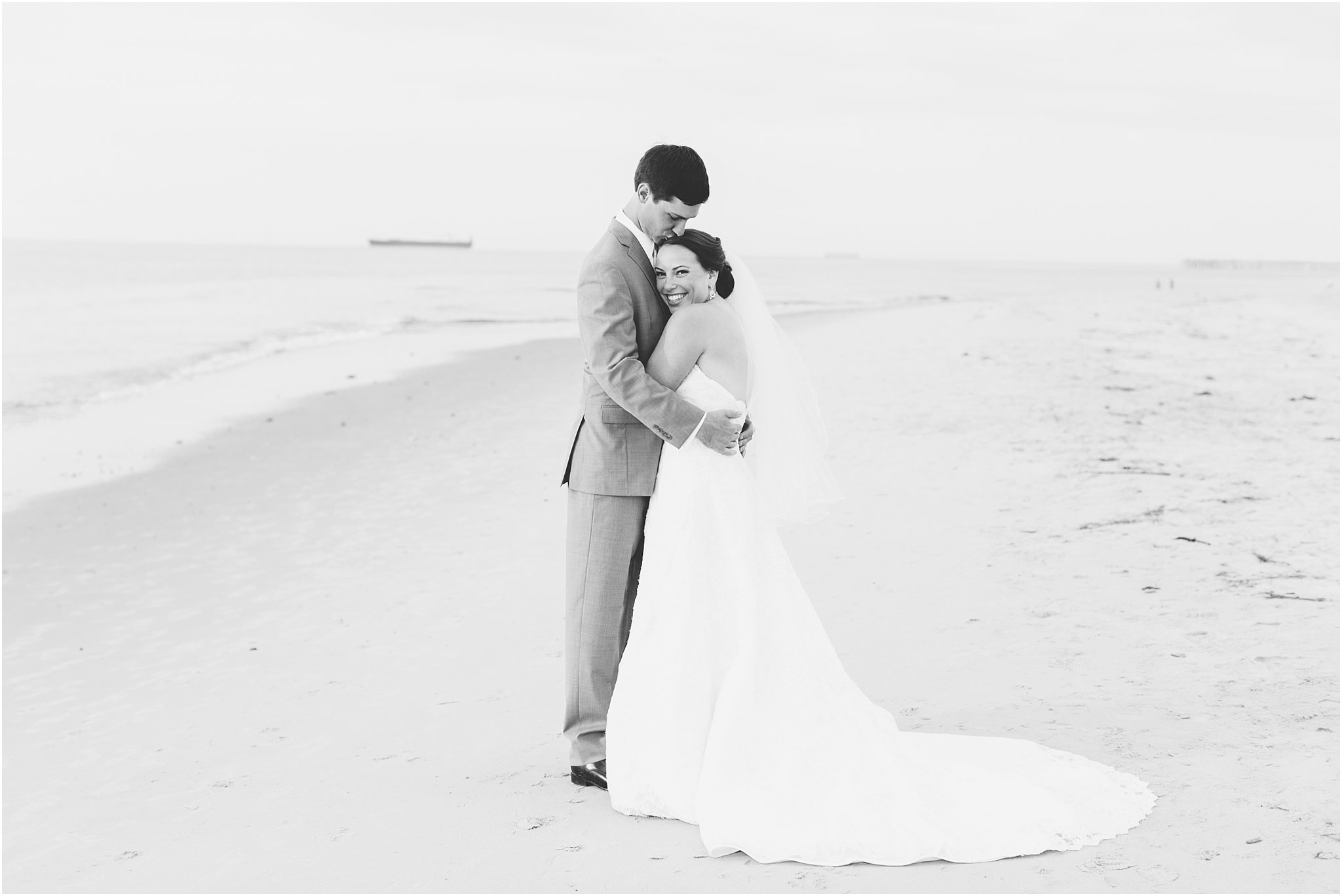 jessica_ryan_photography_wedding_photography_virginiabeach_virginia_candid_authentic_wedding_portraits_marina_shores_yacht_club_chesapeake_bay_1886