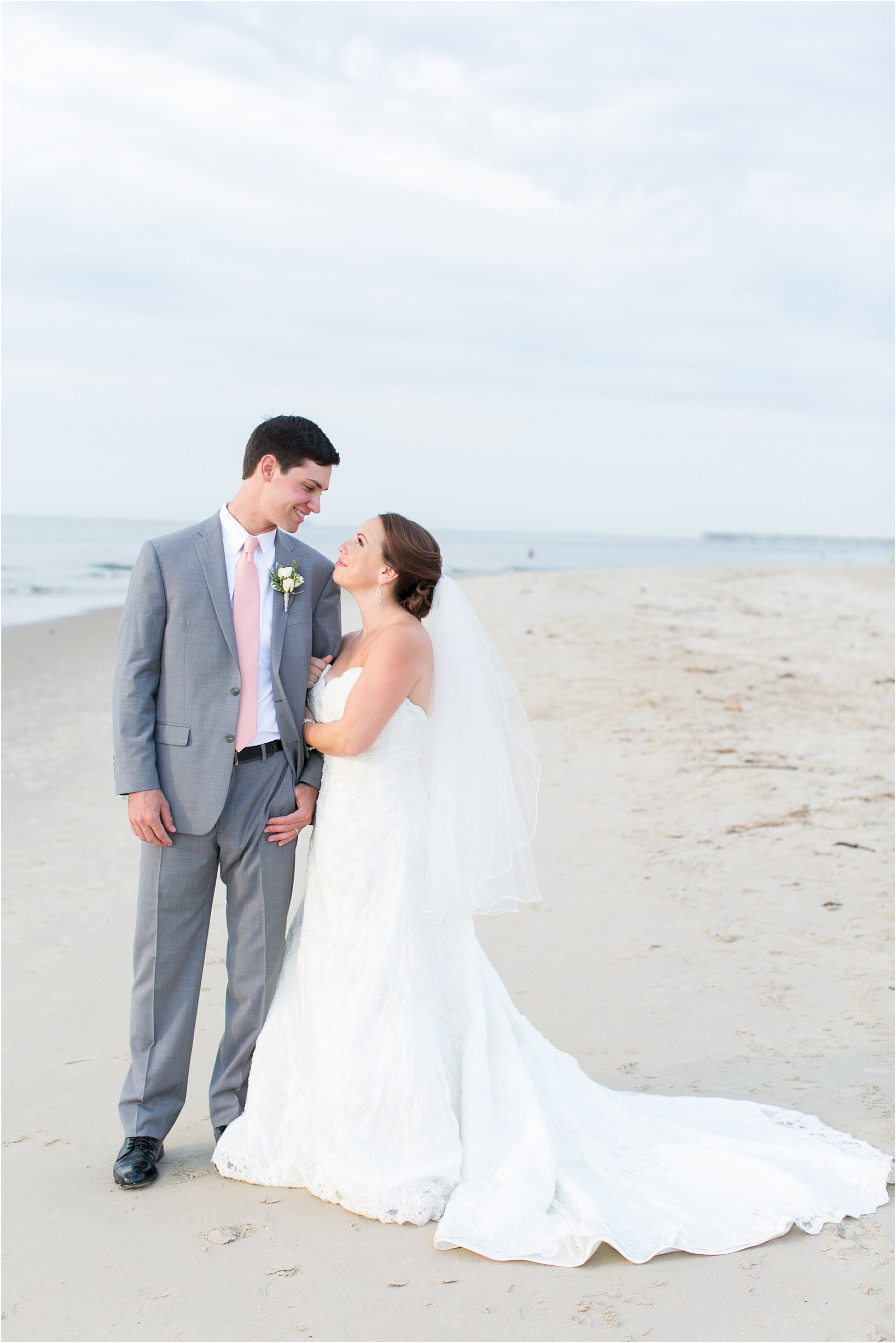 jessica_ryan_photography_wedding_photography_virginiabeach_virginia_candid_authentic_wedding_portraits_marina_shores_yacht_club_chesapeake_bay_1888