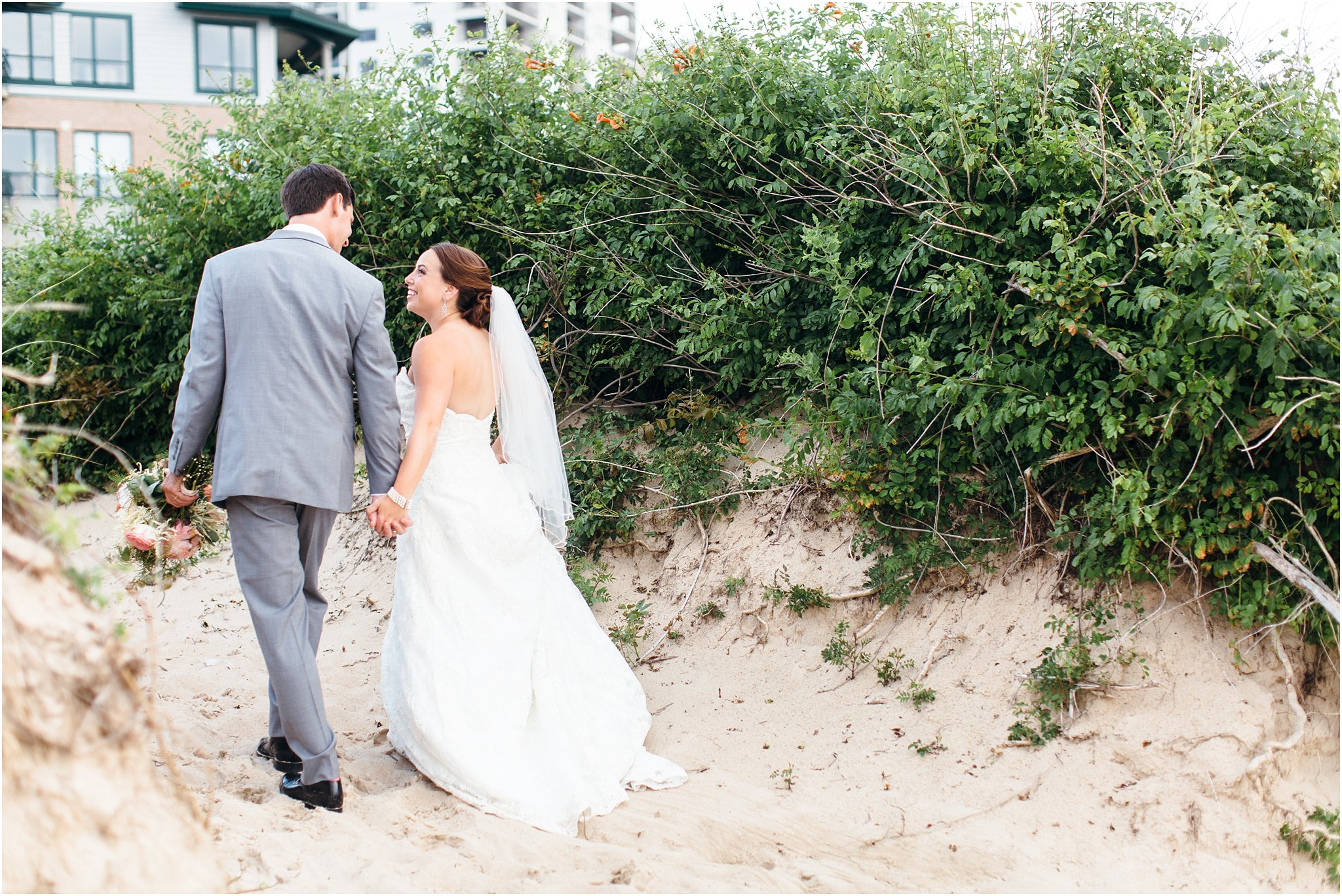 jessica_ryan_photography_wedding_photography_virginiabeach_virginia_candid_authentic_wedding_portraits_marina_shores_yacht_club_chesapeake_bay_1895