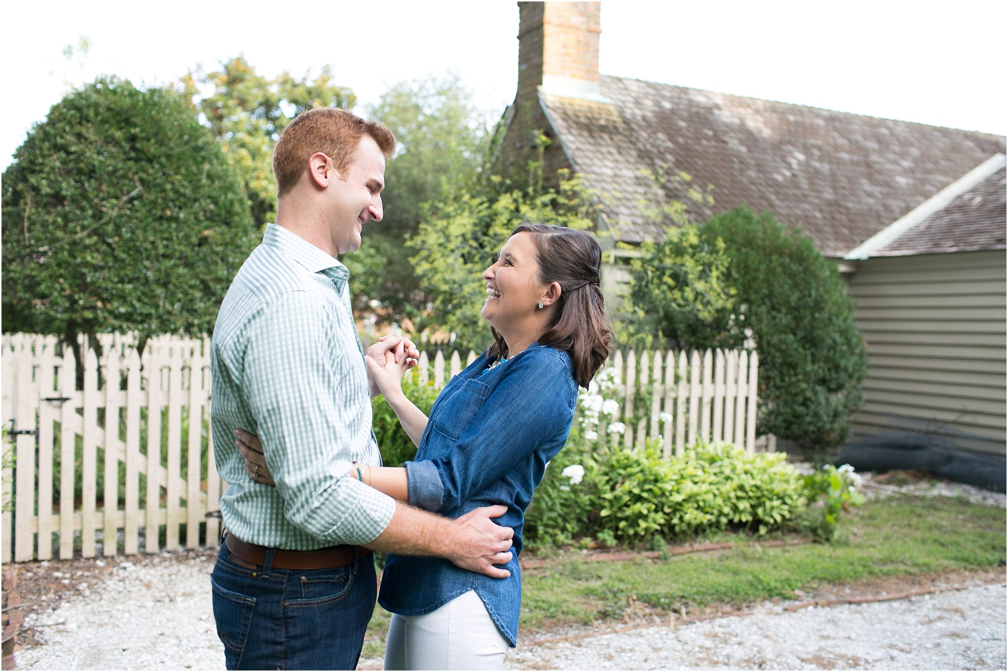 jessica_ryan_photography_virginia_virginia_beach_francis_land_house__portraits_bride_and_groom_beloved_historical_home_engagement_portraits_candid_authentic_engagements_2715