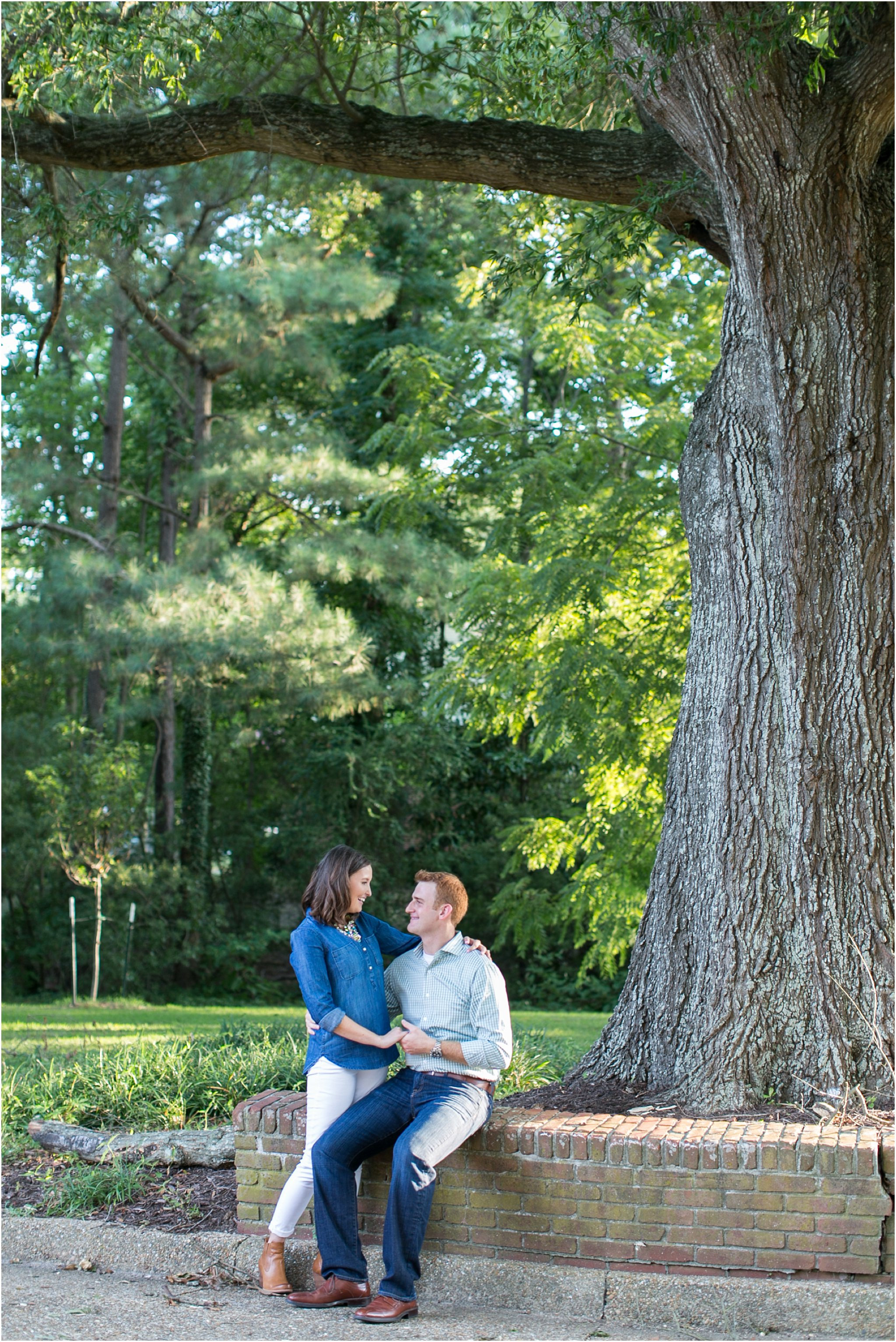 jessica_ryan_photography_virginia_virginia_beach_francis_land_house__portraits_bride_and_groom_beloved_historical_home_engagement_portraits_candid_authentic_engagements_2727