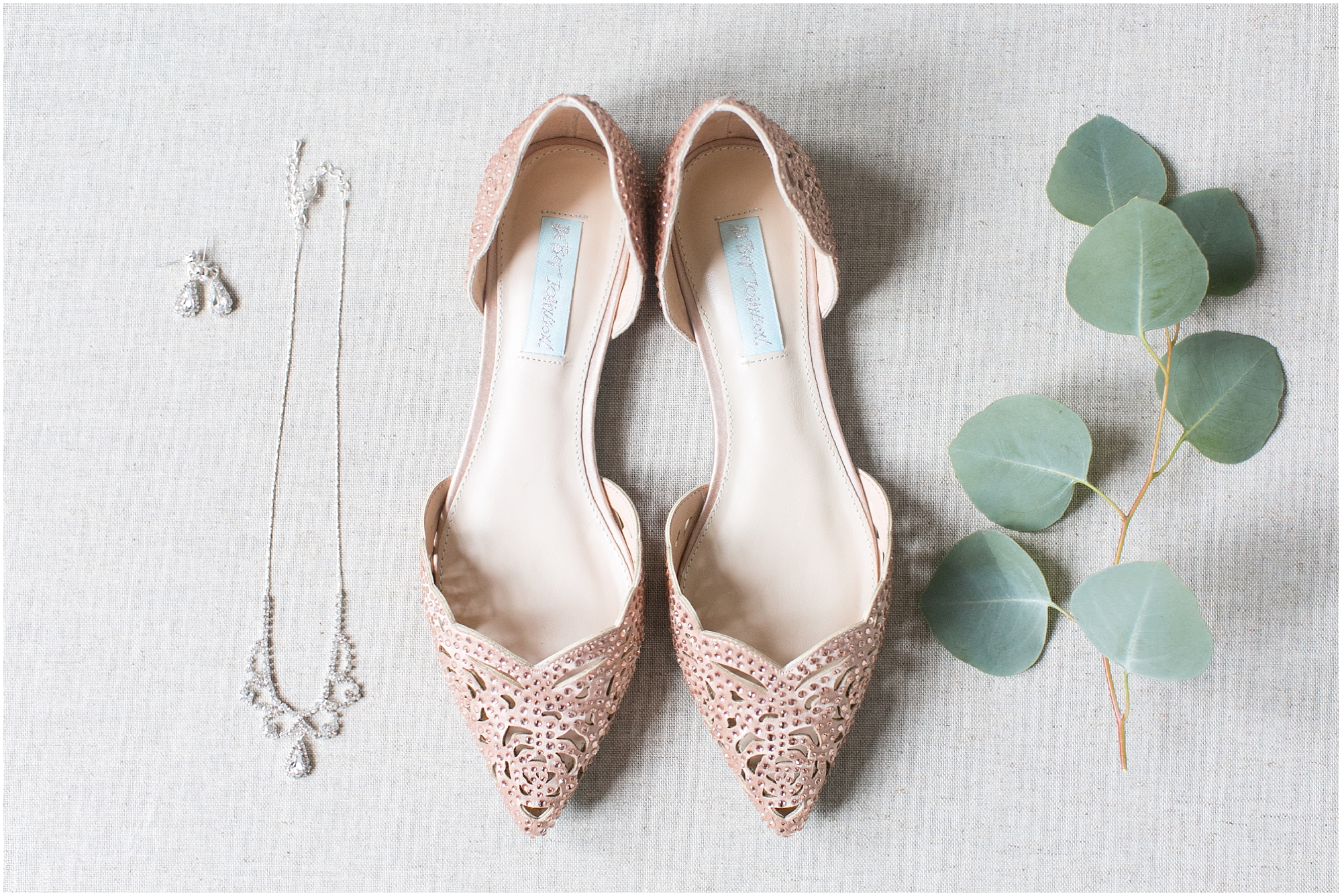 betsey johnson wedding shoes, obici house wedding in suffolk virginia, virginia wedding photographer
