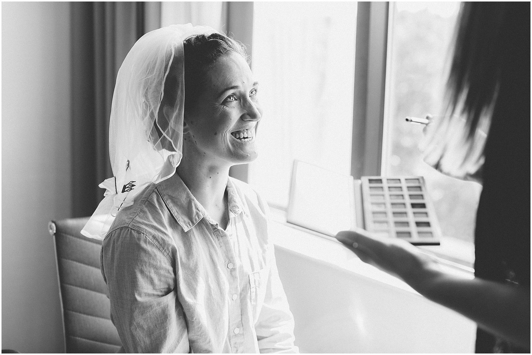 Mariner's Museum Wedding,bride getting ready