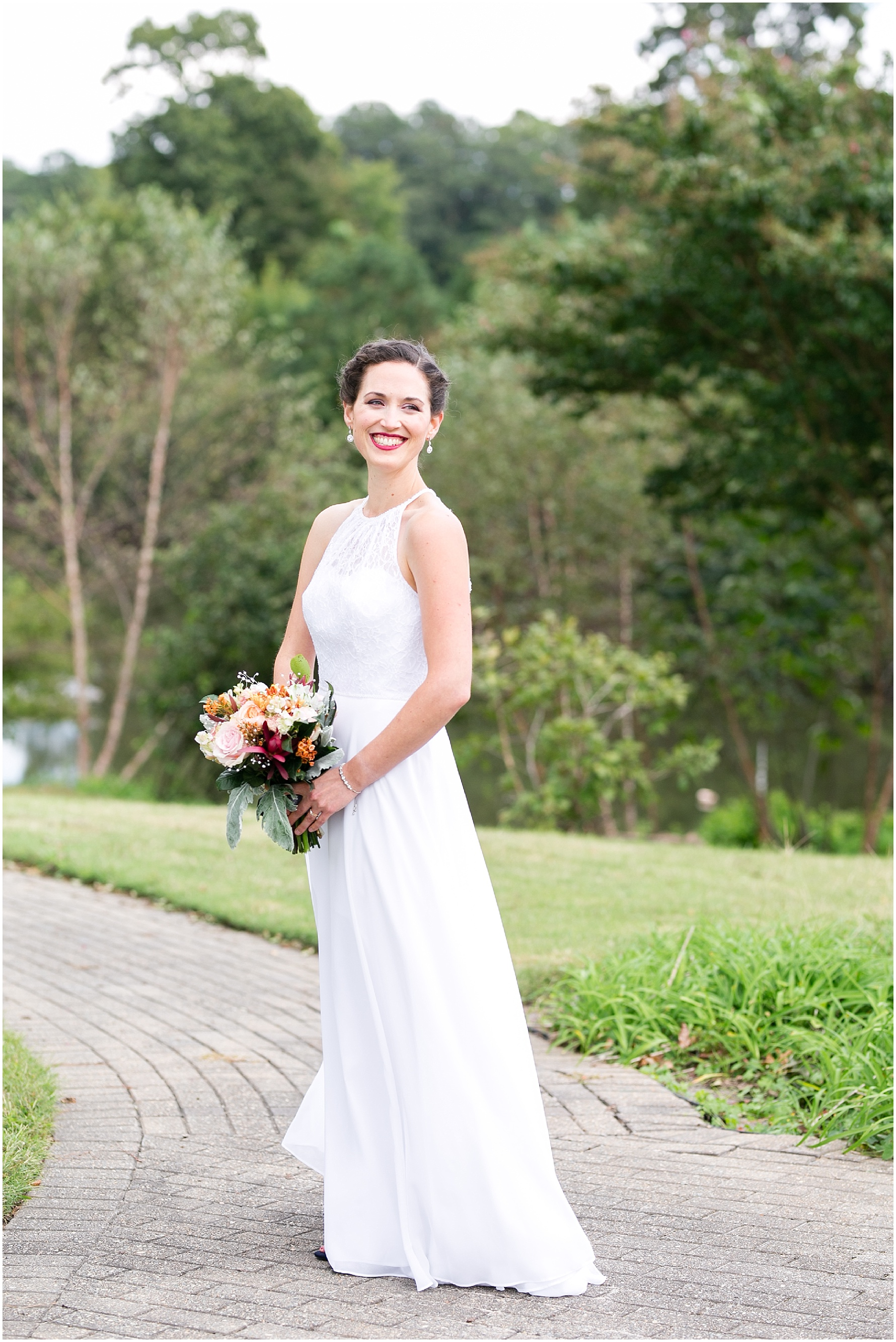 Mariner's Museum Wedding bridal portrait