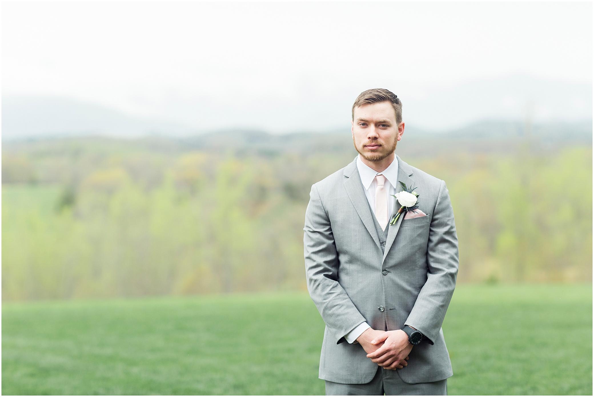 groom portrait at sierra vista wedding